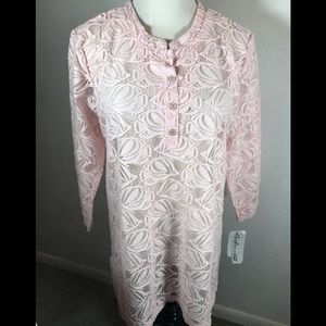 NWT LuLu B Pink Lacy Top, size L